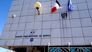 """""""Grève"""" des plateaux repas et des auxiliaires au centre de détention de Borgo"""