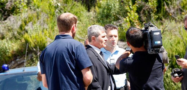 Dominique Alzeari, procureur de la République et le colonel Didier Rhamani, commandant le groupement de gendarmerie de Haute-Corse sur les lieux de la fusillade