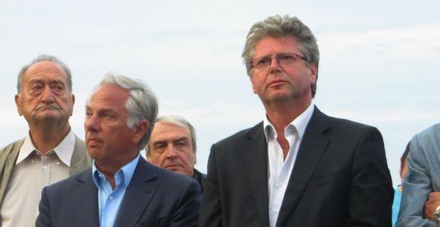 Camille de Rocca Serra, député, et Georges Mela, maire de Porto-Vecchio, à  Bastia à l'arrivée du Tour de France.