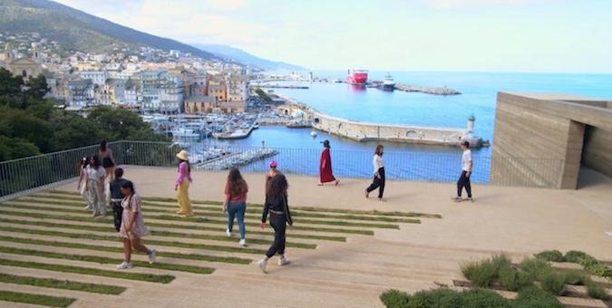 Identité(s) en Mouvement : de la danse dans les rues de Bastia