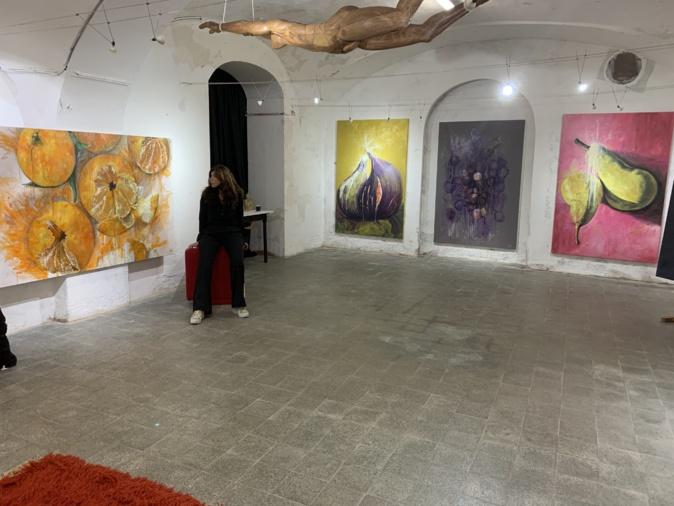 Bastia :  Edith Guidoni expose «les jolis fruits » de son travail