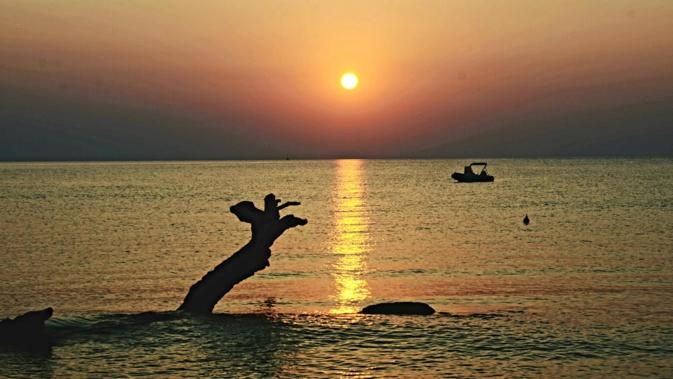 Lever de soleil sur la plage de de la Marine de Solaro (Olivier Makdoud)