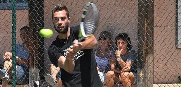 Détente à Calvi pour le tennisman français Benoît Paire