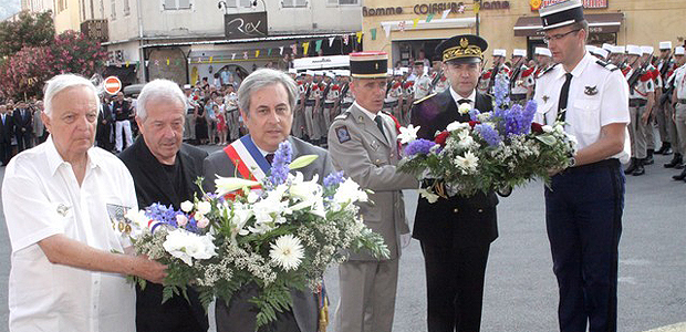 Dépôts de gerbes et réception à la sous-préfecture pour le 14 juillet à Calvi
