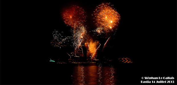 Bastia : Le feu d'artifice du 14-Juillet vu de la mer