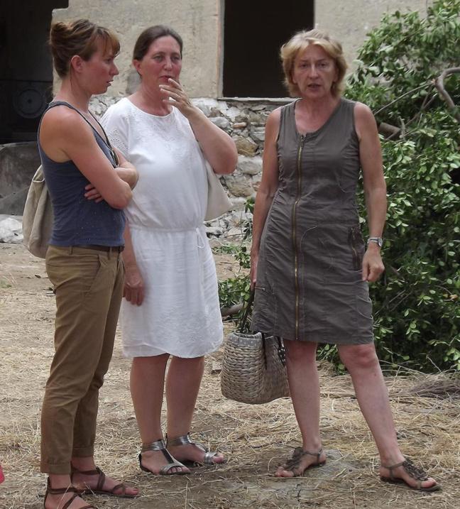 A droite, Mme Patricia Amadei, directrice de l'école Notre-Dame