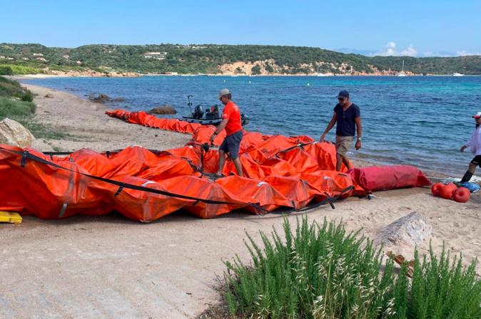 L'installation du barrage à Sant'Amanza (photo mairie de Bonifacio)