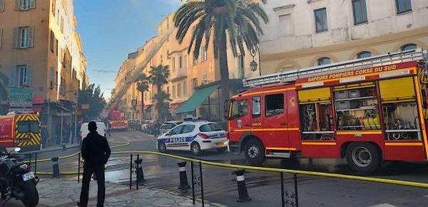 Les sapeurs-pompiers d'Ajaccio ont mobilisé d'importants moyens pour venir à bout de l'incendie.(Photo DR)