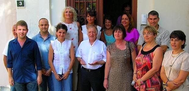 Le personnel de la ville d'Ajaccio titulaire du certificat en langue corse réuni autour de Simon Renucci, lors de la cérémonie d'attribution qui a eu lieu jeudi après-midi à Ajaccio. (Photo : Yannis-Christophe Garcia)