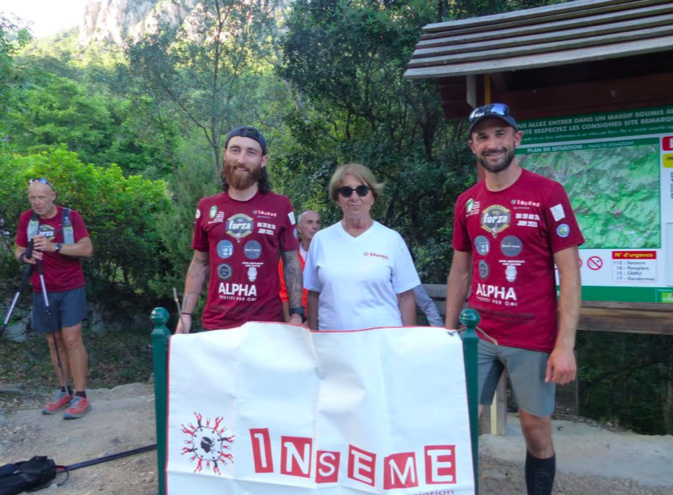 e Corentin Fourni et Sébastien Giambernardi lors de leur arrivée à Conca samedi 26 juin avec notre bénévole d'A Squadra Inseme Marie-France Delfour