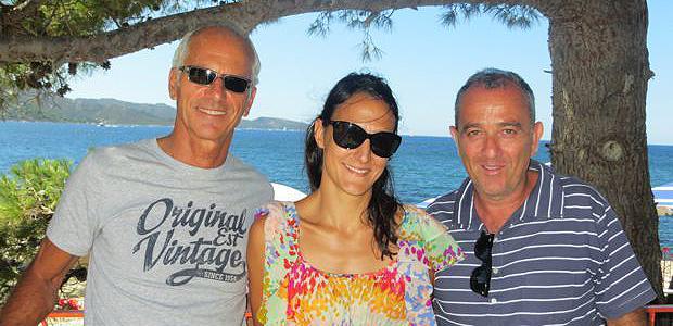 Tony Baldrichi, Anais Monnet et Bruno Vellutini, les deux directeurs et l'attachée de presse du festival Porto Latino sur la terrasse du restaurant La Crique.
