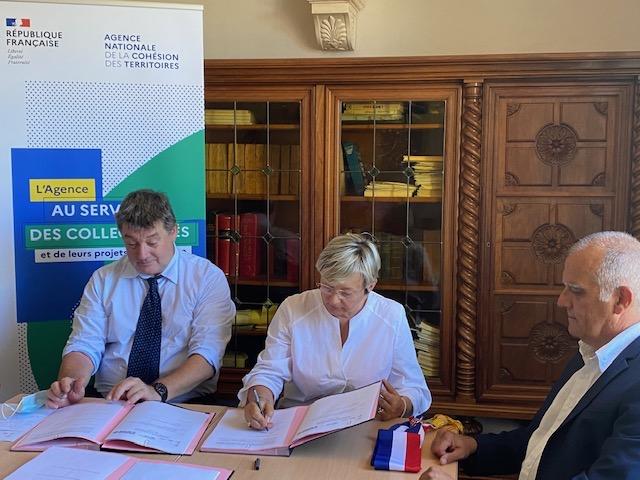 François Ravier, Préfet de la Haute-Corse, Mme Anne-Laure Santucci, maire de Luri, M. Patrick Sanguinetti, Président de la CC du Cap Corse