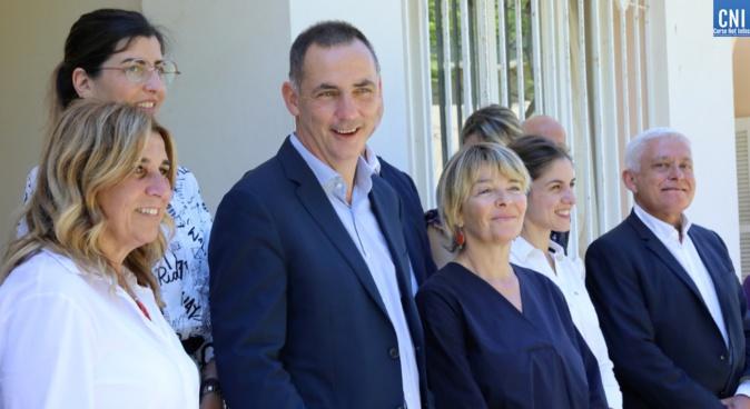 Le président du Conseil exécutif de la Collectivité de Corse entouré de son nouveau Conseil. Photo Michel Luccioni.