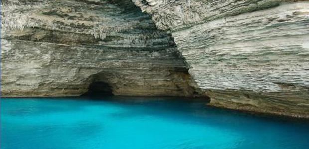 Bonifacio : La navette de tourisme reste coincée dans une grotte
