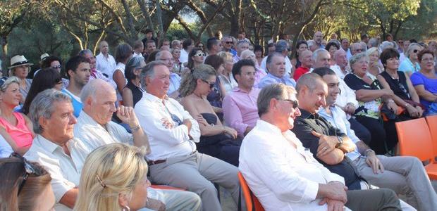 Lumio : Xavier Bertrand incisif à la réunion-débat au Clos Colombu