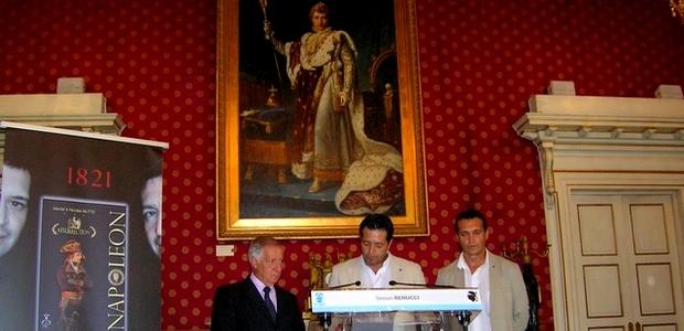 Les auteurs Martial et Nicolas Mutte ont été reçus par le maire d'Ajaccio. (Photo : Yannis-Christophe Garcia)