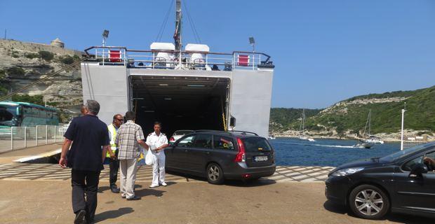 Port de Bonifacio - Embarquement pour la Sardaige.