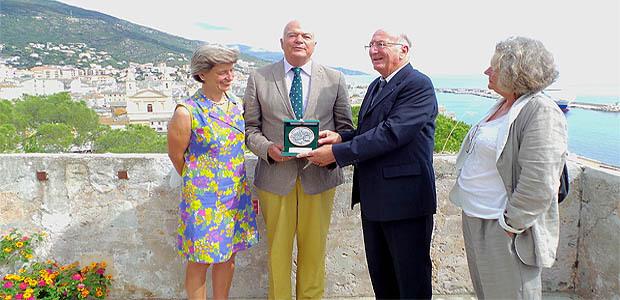 Jean-Baptiste Raffalli a remis la médaille du Patrimoine de la ville à Alhard Von dem Bussche-Kessel