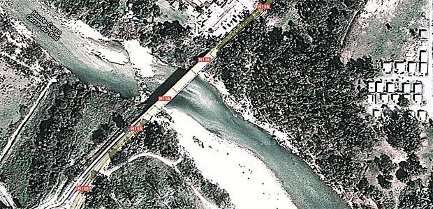 L'accident a eu lieu à l'entrée du pont à Solara (Google Maps)