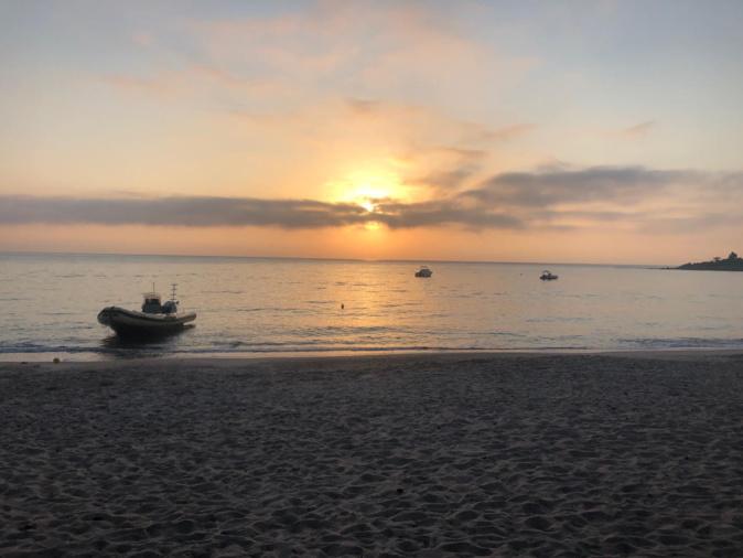 La photo du jour : lever de soleil sur la plage de Foni