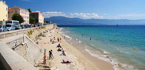 Ajaccio : Un noyé plage Saint-François