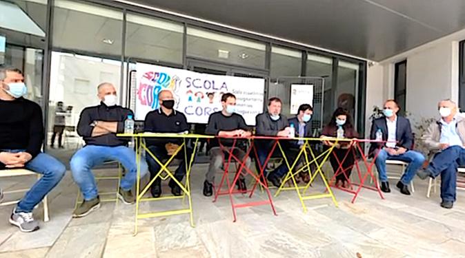 Les membres de l'association Scola Corsa réunis à Bastia le 2 mai dernier pour annoncer l'ouverture de deux sites à Bastia et Biguglia. Archives CNI