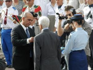 Remise de la Légion d'honneur par M. Kader ARIF, ministre délégué auprès du ministre de la Défense, chargé des Anciens combattants (Photo DGD)