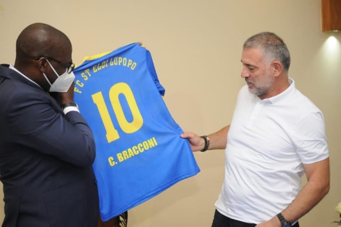 Le Président de St Eloi, Jacques Kyabula, et Ch.Bracconi (photo FC St Eloi)