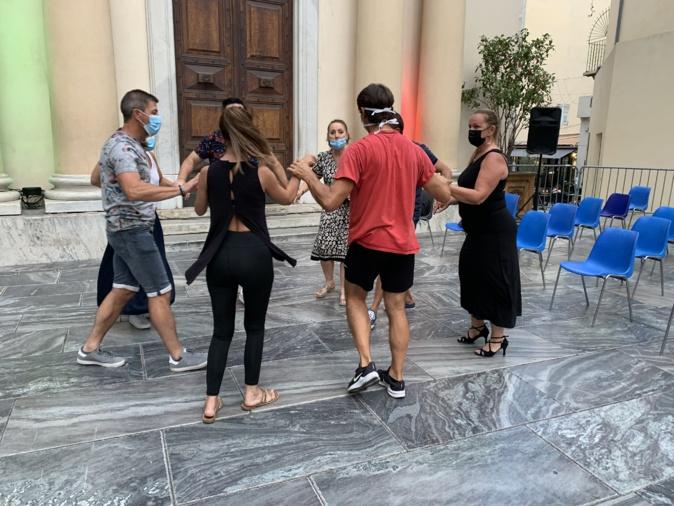 Des danses latines en plein cœur de Bastia