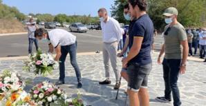 Dépôt de gerbes de Gilles Simeoni et des jeunes élus de Femu a Corsica.