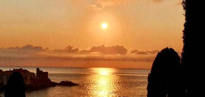 La photo du jour : alba d'oru in Erbalonga