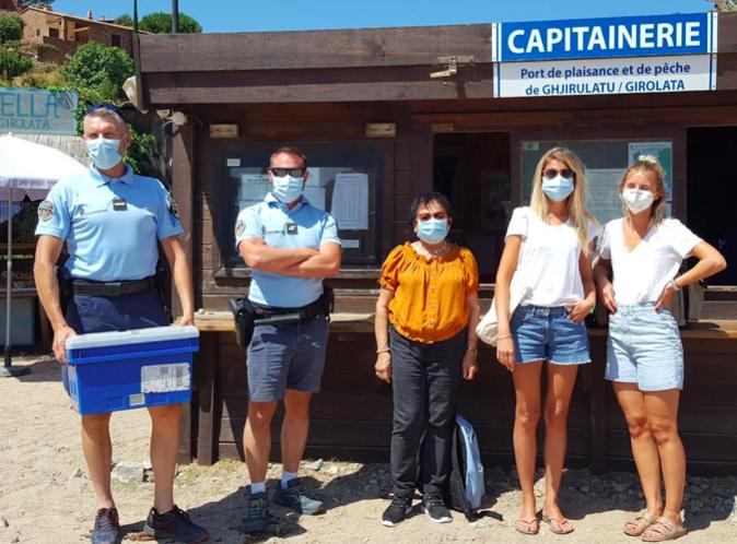 L'adjudant Christophe Charlet, le gendarme Fabien Méchin de la brigade de Piana ont assuré la logistique en transportant au moyen de leur bateau semi-rigide la Dr Sophie Desnault et l'infirmière Sophie Rostini