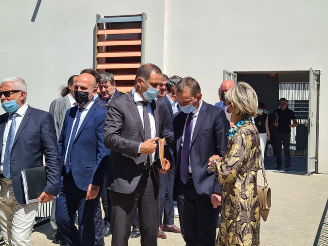 Le ministre Olivier Dussopt en discussion avec les élus corses et les représentants du monde économique insulaire. Crédits Photo : Pierre-Manuel Pescetti