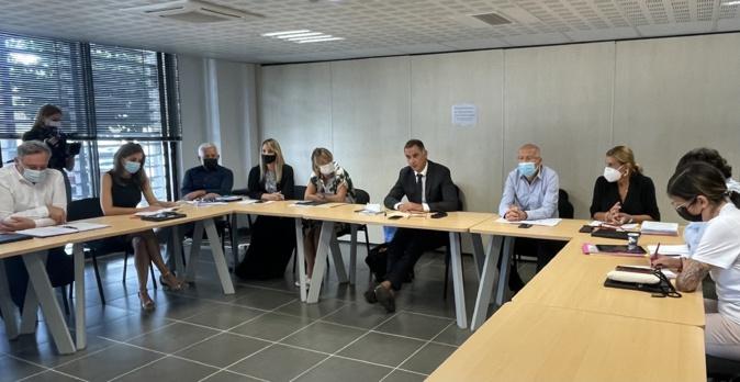 Le Conseil exécutif de la Collectivité de Corse réuni autour de son président Gilles Simeoni pour un séminaire de rentrée à Corti.