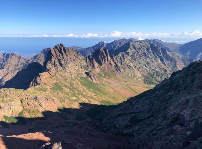 La vallée d'Ascu depuis le sommet de la Punta Rossa (2247m) - Photo Pierre Jean