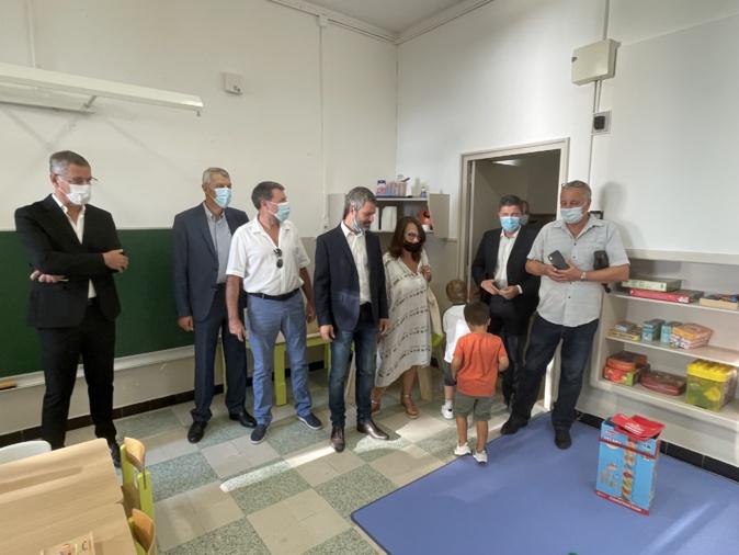 Le président du conseil exécutif, Gilles Simeoni, le maire de Bastia, Pierre Savelli,  son adjointe  Ivana Polisini, déléguée à la politique éducative et à la petite enfance, les députés Michel Castellani et Jean-Félix Acquaviva, et l'eurodeputé François Alfonsi étaient aussi présents