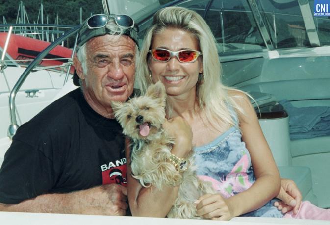 J.-P. Belmondo ici avec  Natty en 2000 en Corse. (Photo Michel Luccioni)