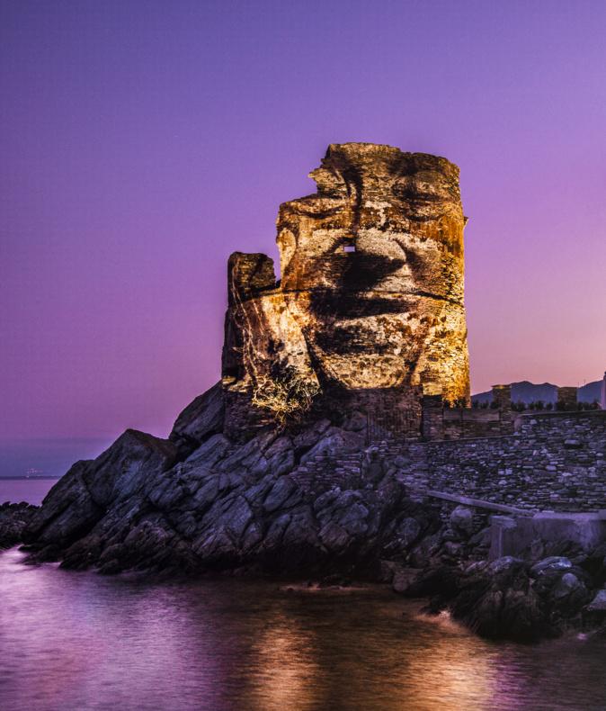 La projection sur la tour d'Erbalunga. Crédits Photo : Philippe Echaroux