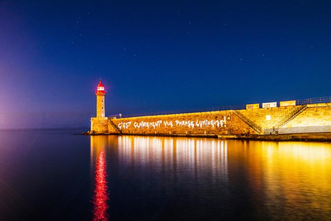 La projection sur la jetée du Dragon du Vieux-Port de Bastia. Crédits Photo : Philippe Echaroux