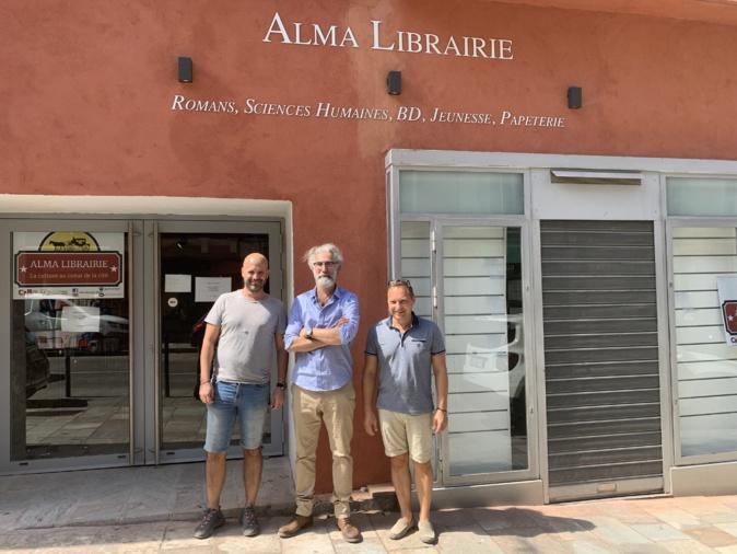 Christophe Di Caro, Laurent Deville et Olivier Rivollier devant leur nouvelle enseigne