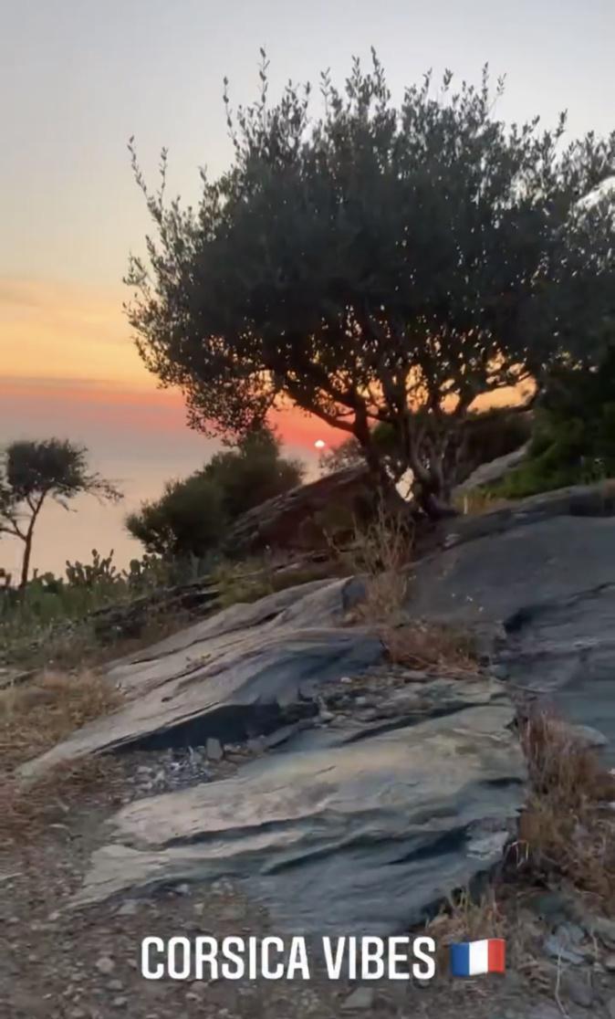 Une deuxieme photo de son sejour en Corse