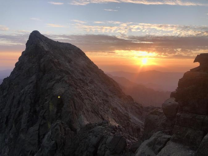 La photo du jour : lever de soleil sur le Cintu