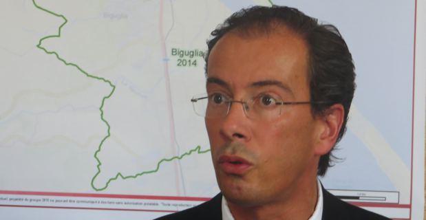 Cyril Luneau, Directeur des collectivités du groupe SFR.