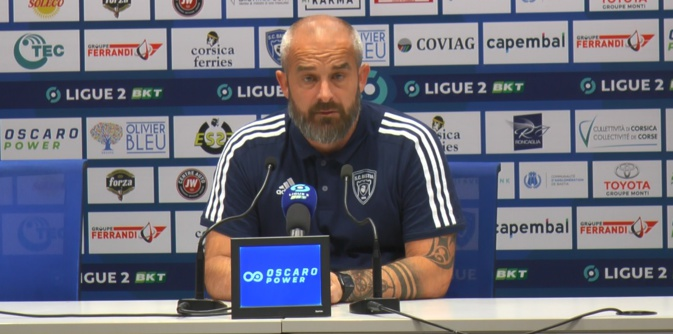 Mathieu Chabert écarté par les dirigeants du Sporting en raison des mauvais résultats du club.