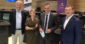 Nanette Maupertuis et les élus du groupe EA au Comité des Régions autour de Gilles Simeoni.