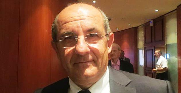 Pierre Chaubon, président de la Commission des compétences législatives et règlementaires, conseiller territorial du groupe Démocrates, Socialistes et Radicaux.
