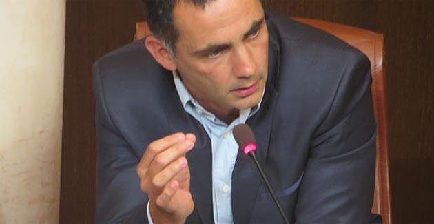 Gilles Simeoni, co-leader du groupe Femu a Corsica pendant le débat à la CTC.