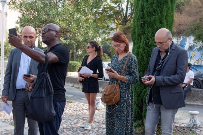 Tommy Lawson guide le président de l'université. Crédits Photo : Università di Corsica