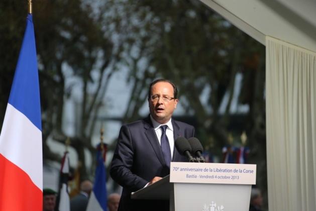 Le président de la République, François Hollande, sur la Place Saint-Nicolas à Bastia.