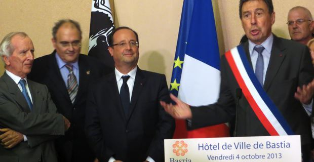Nicolas Alfonsi, Paul Giacobbi, François Hollande et Emile Zuccarelli à la mairie de Bastia.
